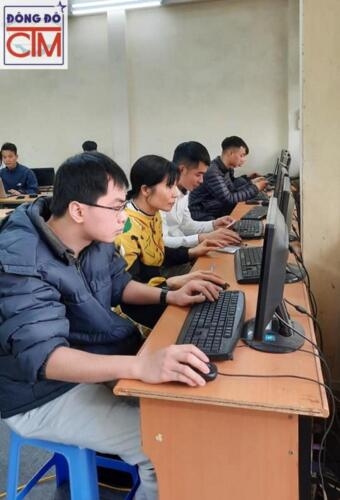 Sinh viên trường trung cấp CNTT3